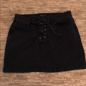 KENDALL AND KYLIE BLACK DENIM SKIRT